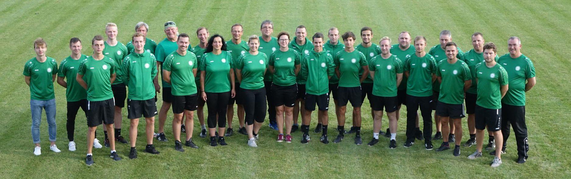 Teamfoto der Trainer des SV Eintracht Leipzig Sued